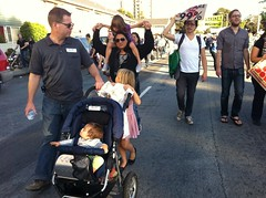 Family on early #GeneralStrike #OccupyOakland march to the port
