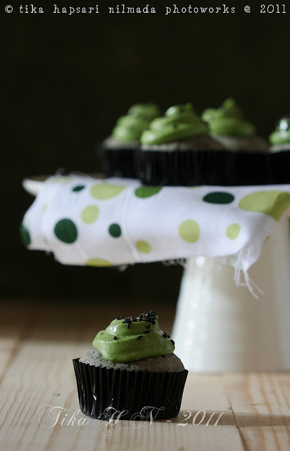 7 Tika-Black Sesame Matcha Cupcakes