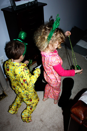 Kids-and-their-necklaces