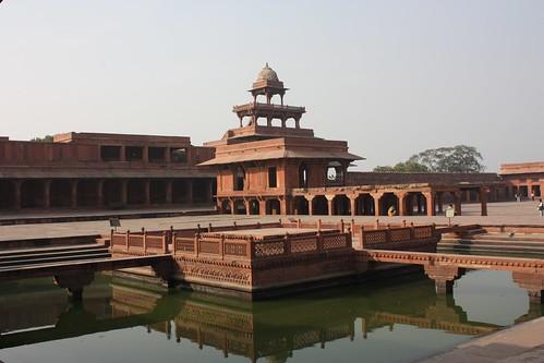 Fatehpur Sikri, Ornamental Pool