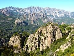 Sentier Capeddu-Sari : Bavella vu depuis le long de Punta Batarchjone