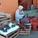 Venta de Guajes y Aguacates; Mercado de Juxtlahuaca, Oaxaca, Mexico por Lon&Queta