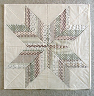 November Mini Quilt: Striped Star