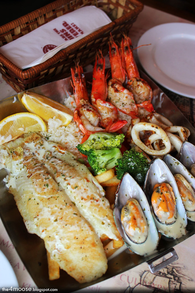 Manhattan Fish Market - Grilled Gala Platter