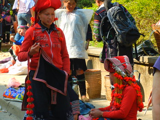 Sapa Saturday market Red Zhou