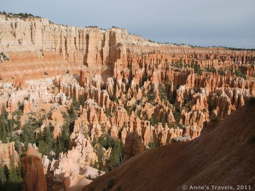 Views of Bryce Canyon from the trail that descends from Bryce Point, Utah