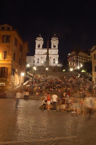 Hier treffen sich die Touristen bei Nacht und erzählen sich Geschichten