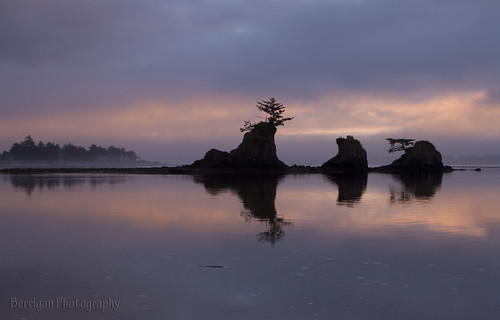 ocean city sunset silhouette rock oregon canon pacific scenic 7d lincoln jedibob flickrtravelaward