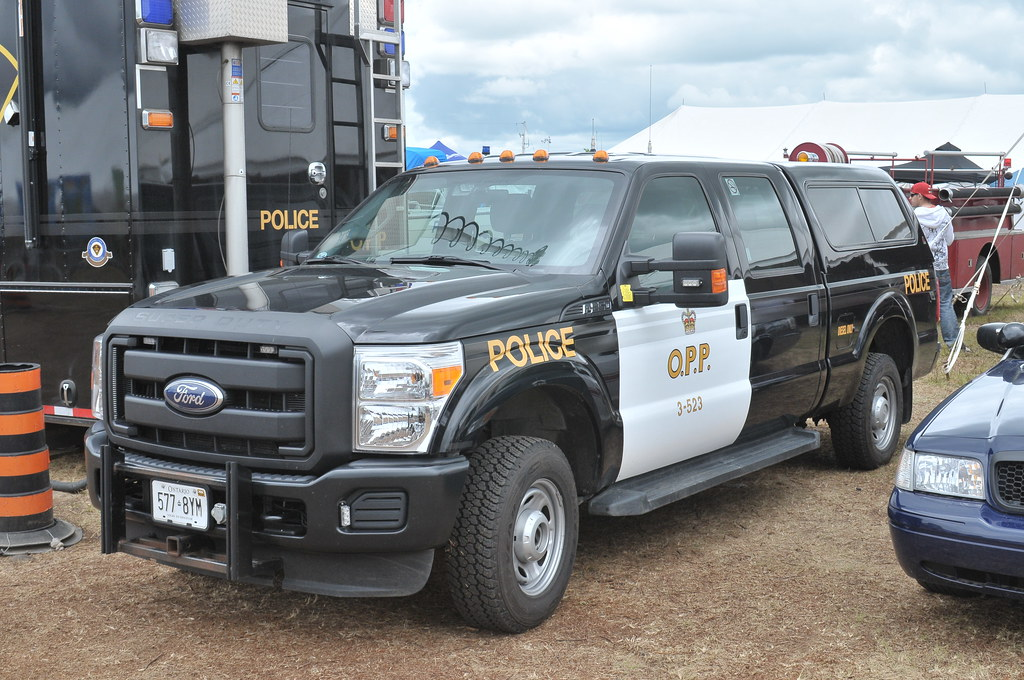 OPP 3-523 Police Ford F250 pickup Pembroke Airport ...