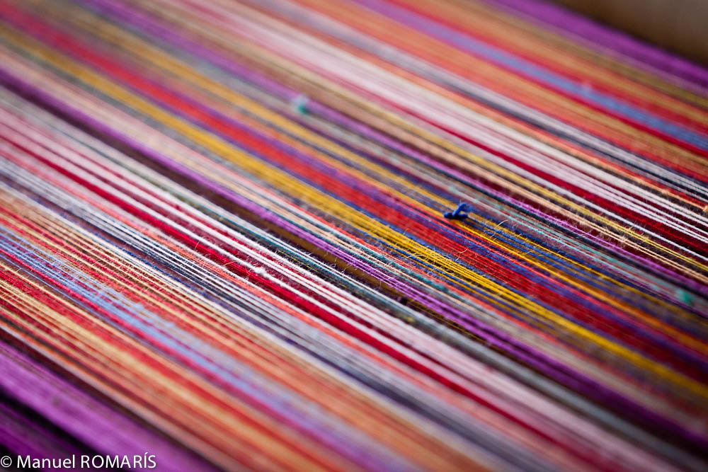 Arequipa, Peru, weaving yarn