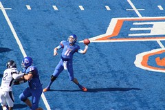 Kellen Moore throws deep