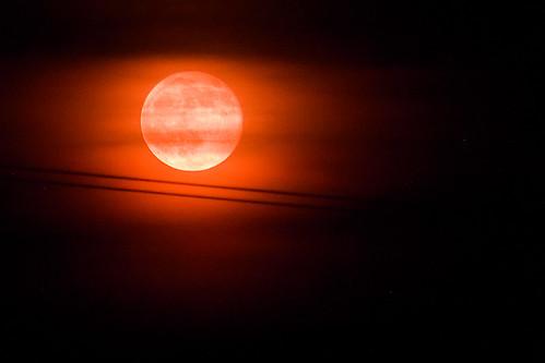 Luna llena, sangrante, envelada, y subrayada by oSKaR MG [ www.fotosyfotos.es ]