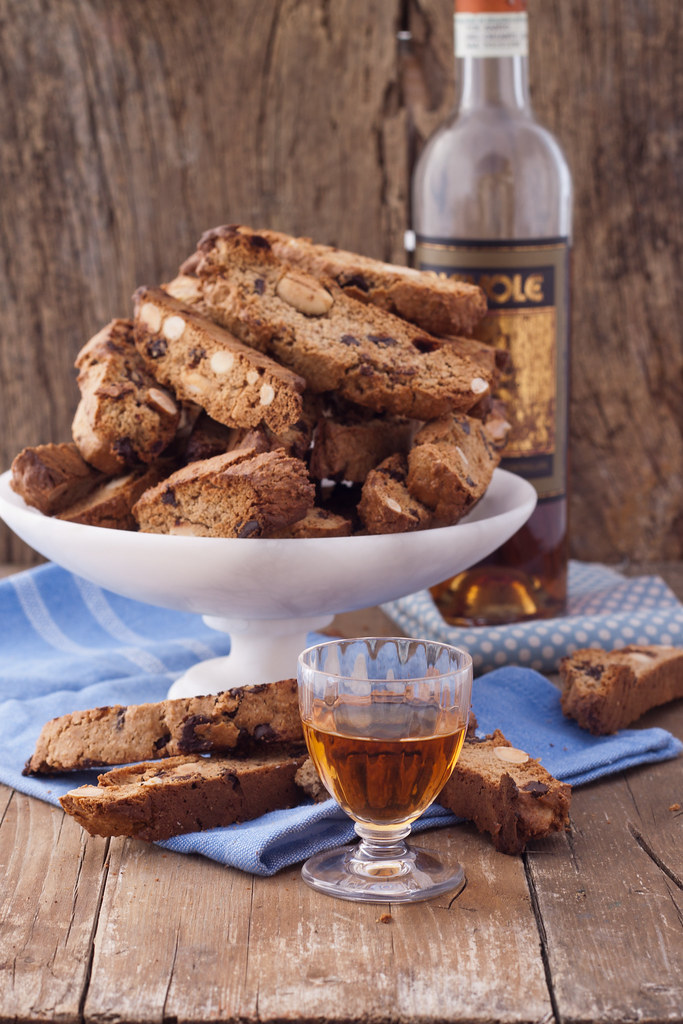 Chestnut chocolate biscotti