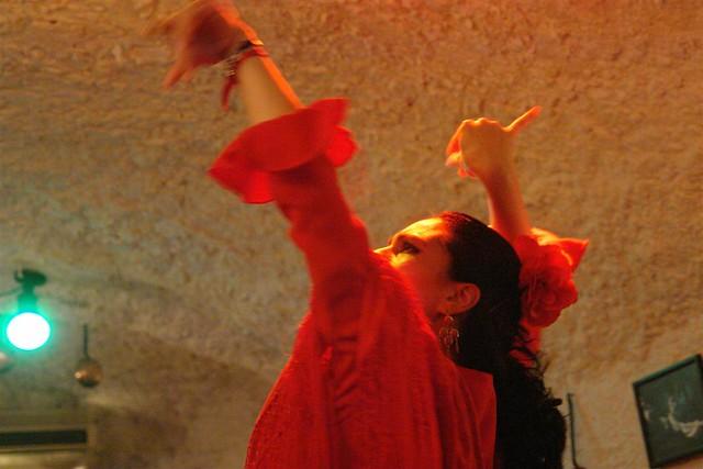 El flamenco es una de las atracciones culturales más demandadas por los turistas que visitan nuestro país Tradiciones y fiestas en España que enamoran a los turistas - 6355226863 2de760c87e z - Tradiciones y fiestas en España que enamoran a los turistas