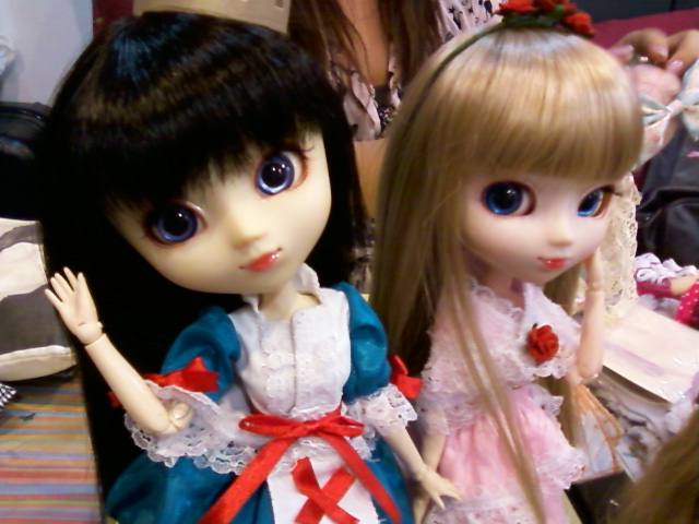 Arisa & Erize in Cosplay Outfit @ Bambino+