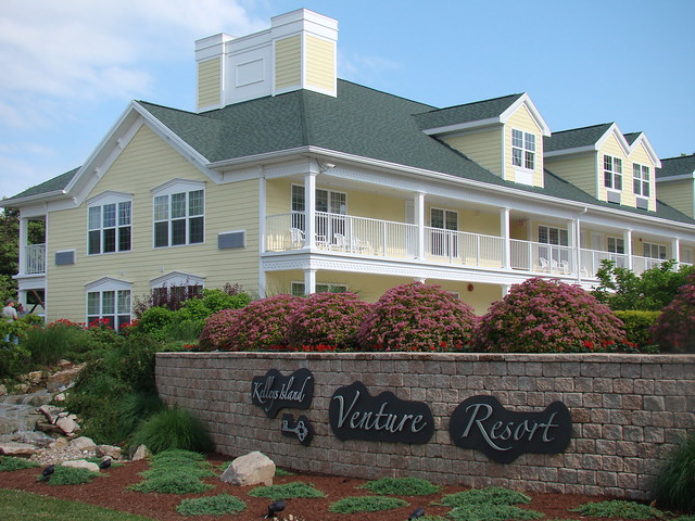 Kelleys Island Hotels