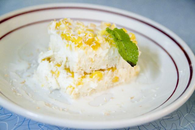 Tres leches cake with mango