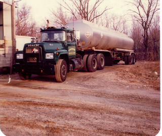 Zanardi Oil Chester,Conn. 1978 Mack, 9200 Fruehauf