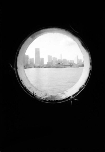 「窓のある風景」 みなとみらい #224 かず