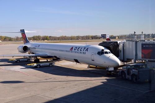 DELTA MD-90 N920DN