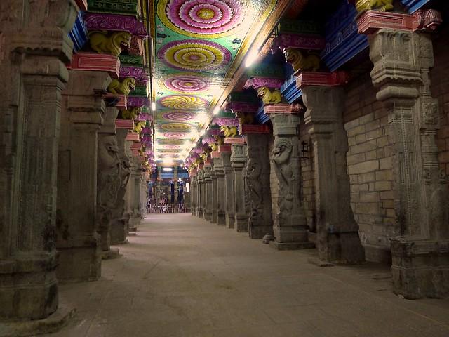6427536201 0dc5e83403 z - Los templos Vímana en la India