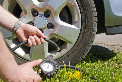 Reifen prüfen vor der Urlaubsreise / Sicher fahren und Sprit sparen mit Nokian-Öko-Reifenn