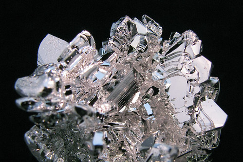 Magnesium Crystal Cluster Close-up | by Paul's Lab