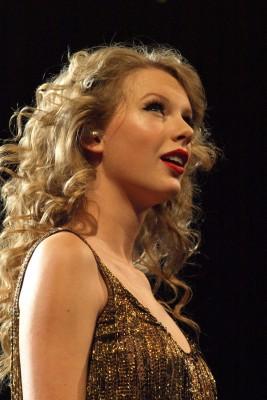 Taylor Swift At Yum! Center