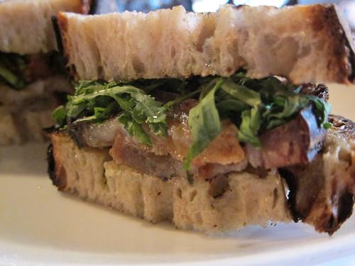 Sotto: Porcetto Sandwich