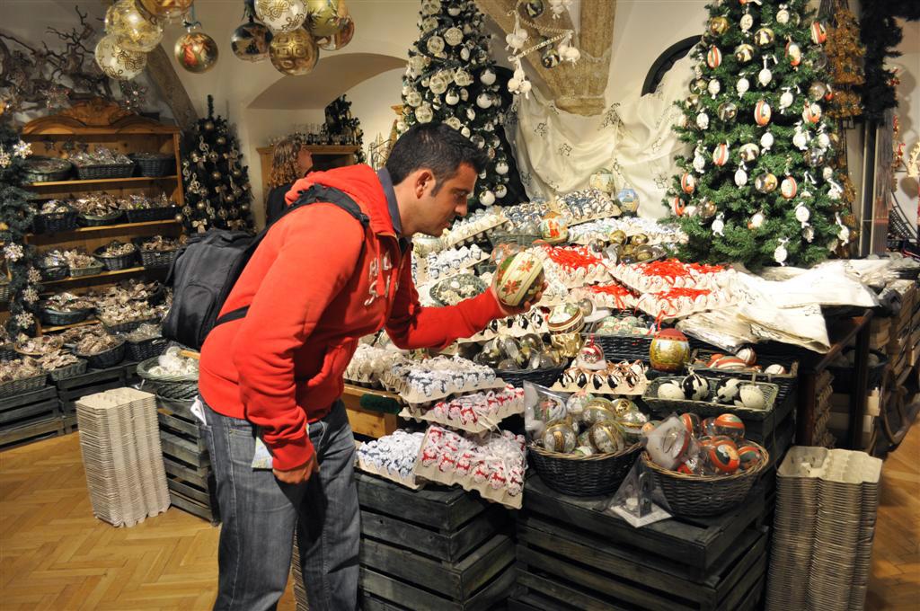 Es realmente complicado elegir uno entre los mil diferentes huevos de la tienda Christmas in Salzburg, espíritu navideño todo el año - 6333231036 d536af9d6a b - Christmas in Salzburg, espíritu navideño todo el año