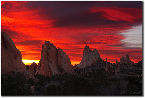 sunrise colorado gardenofthegods coloradosprings citypark veteransday 111111 waveclouds thelongview phoeniximmortal tpslandscape