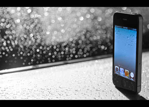 iPhone in the Rain [27/365]