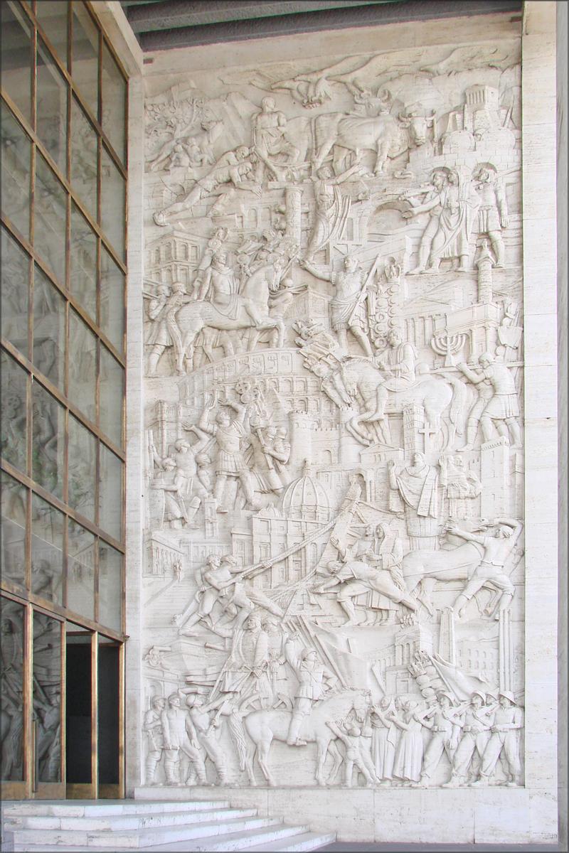 Bas relief du palazzo degi uffici eur rome l 39 entr e for Uffici eur roma