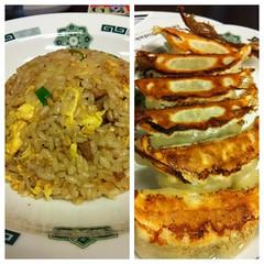 今日のランチは炒飯と餃子。¥620 #lunch RT @tomoth: 日高屋 大久保北口店にタッチ! http://tou.ch/CYIbmt