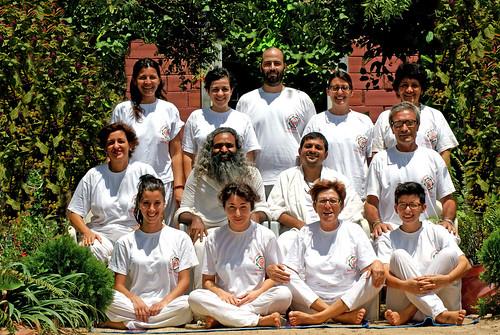 Swami Ananda Chaitanya with Italian gp Yoga Teachers in Yoga Vidya Ashram Yoga Vidya TTC at Yoga Vidya Ashram Chennai Swami Ananda Chaitanya Disciple of Pujya Swami Dayananda Saraswati, Founder of Ama Vivek, Vidya Vahini Trust, Yoga Vidya Centres, Yoga Vi