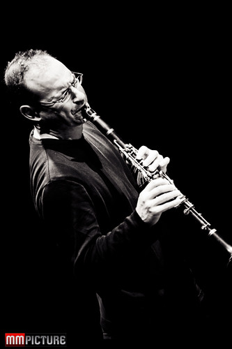 Ben Goldberg Trio at Rasa by Jazz photographer Maarten Mooijman