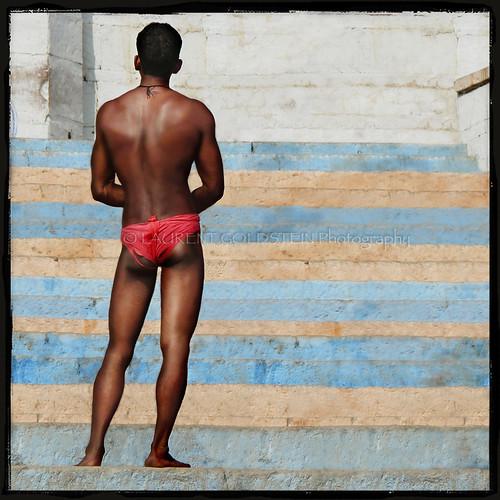 red people india man male lines river square colours skin body geometry muscular atmosphere soul anatomy varanasi kashi benares benaras ghat uttarpradesh भारत corporeal indiasong corporeality thebestofday gününeniyisi langot nandeshwarghat