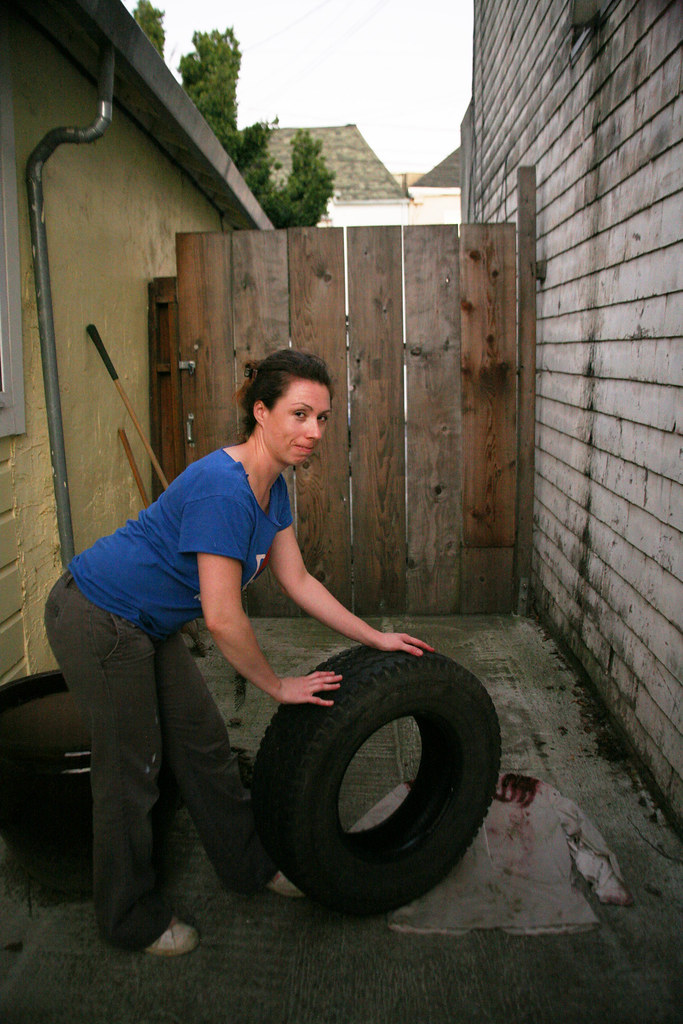 I Want a Zombie Costume: Tire