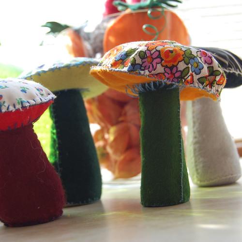 Felt mushroom 21