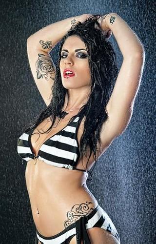 vix bikinis Vix Meech,