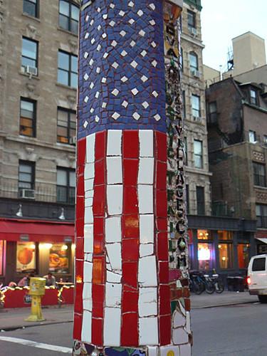 le drapeau américain à East Village.jpg
