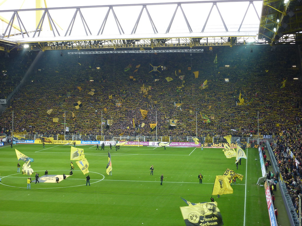 17 signal iduna park westfalenstadion stadium bucket list. Black Bedroom Furniture Sets. Home Design Ideas