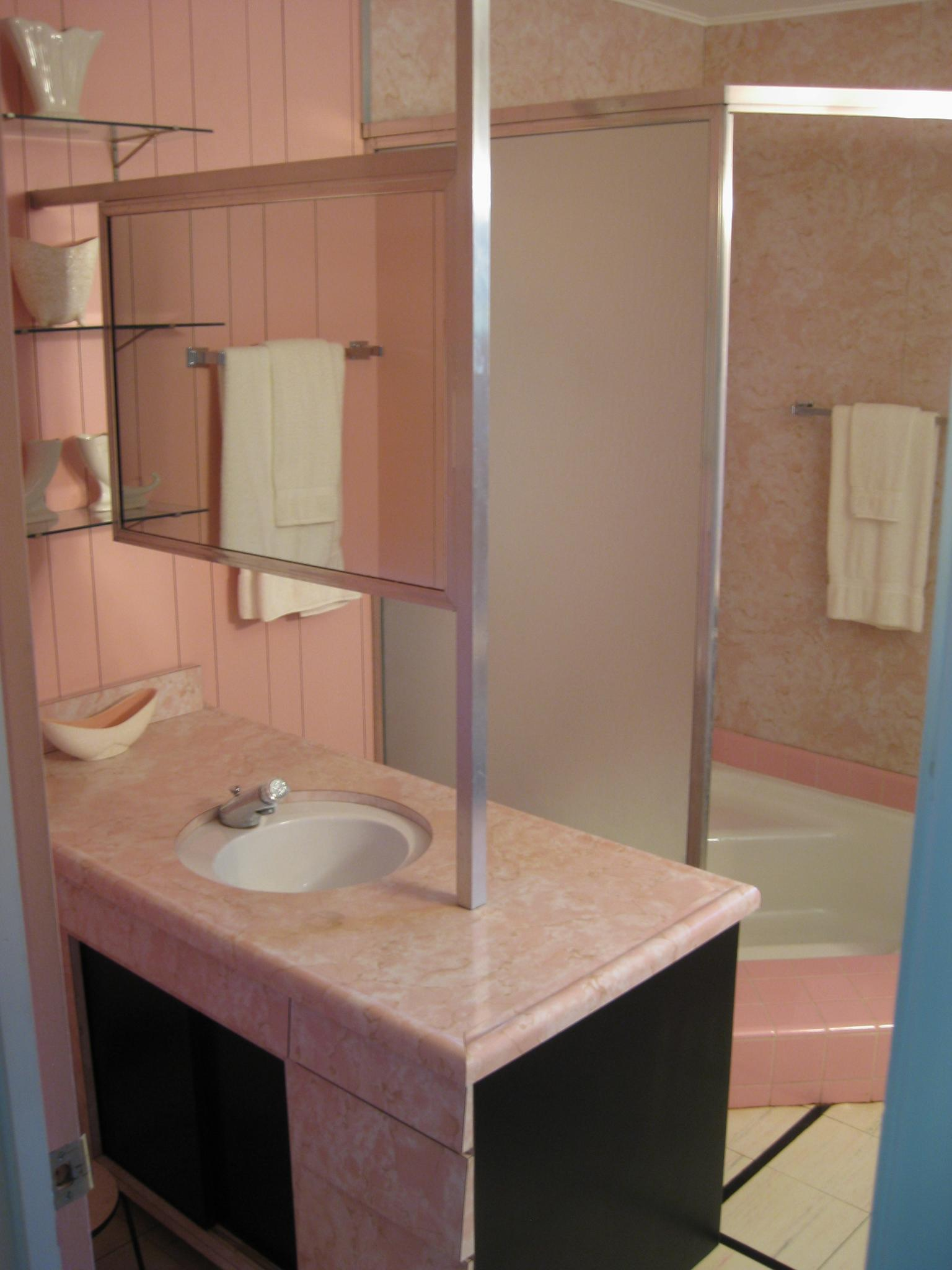 Double Sided Farmhouse Sink : some pink A two-person sink with double-sided mirror. At ...