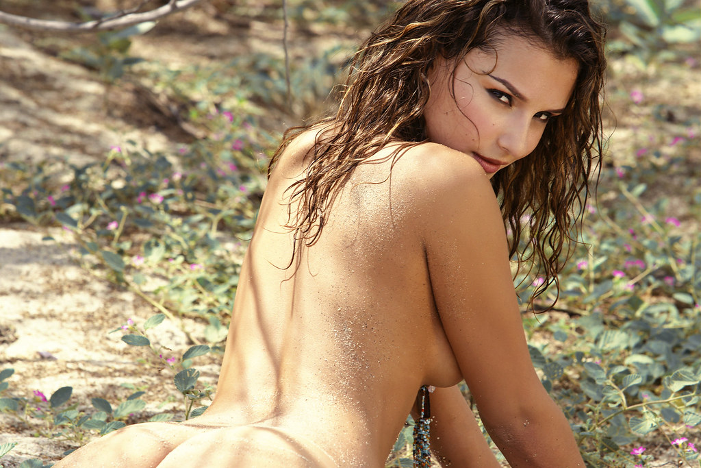 Naked images of carmen electra