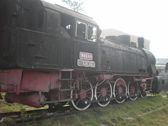 freight car(0.0), electric locomotive(0.0), railroad car(0.0), vehicle(1.0), train(1.0), transport(1.0), rail transport(1.0), locomotive(1.0), passenger car(1.0), rolling stock(1.0), track(1.0), land vehicle(1.0),
