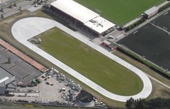 Luchtfoto Omnisport schaats- en skeelerbaan Apeldoorn