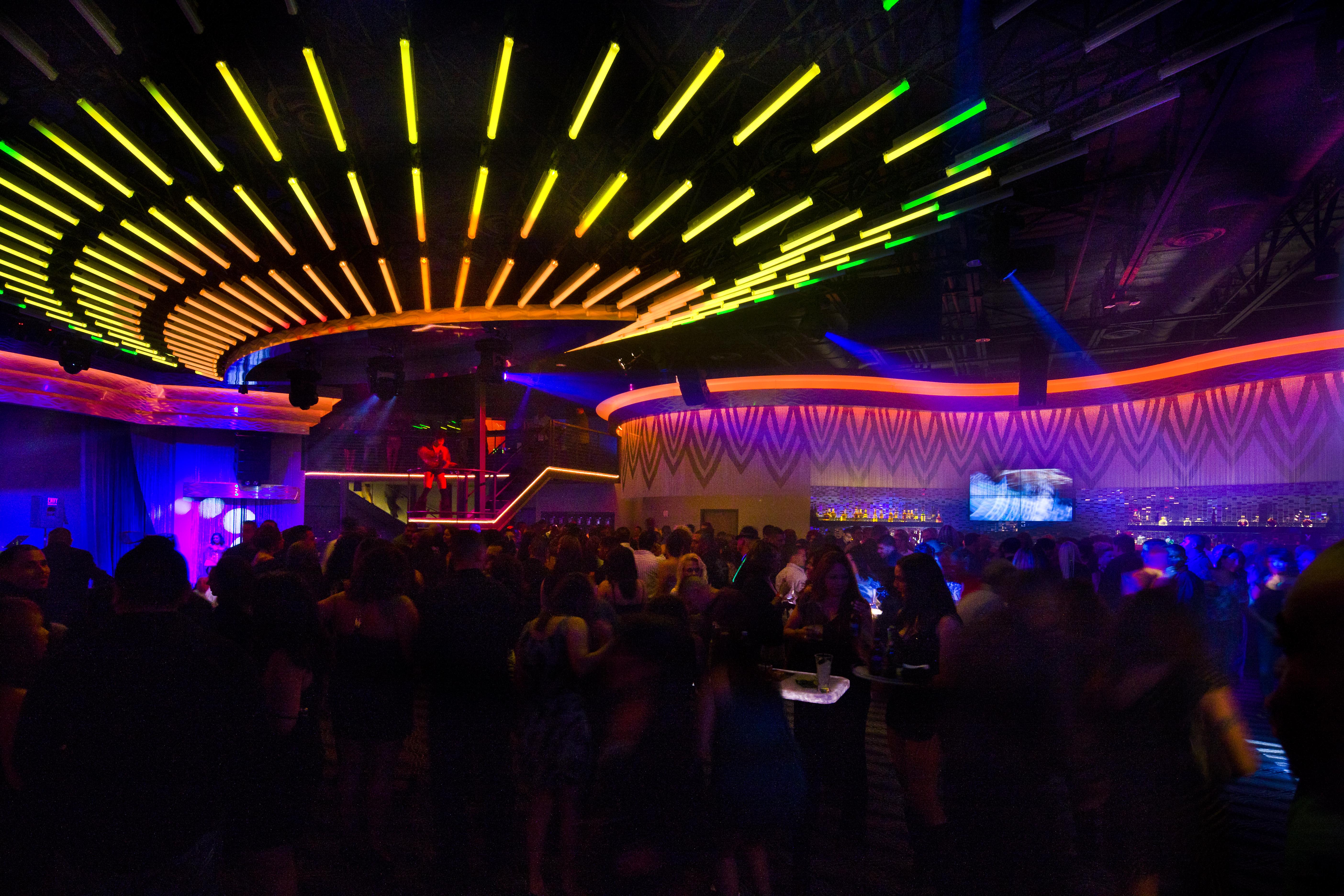 Pinterest the world s catalog of ideas - Licht nightclub ...