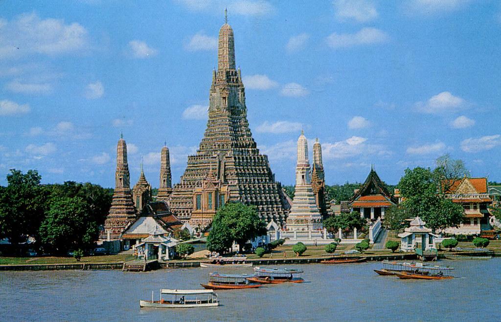 Bangkok - Wat Arun and Chao Phraya River (Postcard)