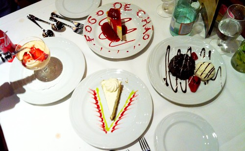 Papaya w/ vanilla ice cream, NY Cheesecake, Choco Lava Cake & Key Lime Pie at Fogo De Chao #Vegas #food
