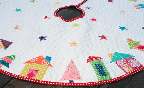 Christmas Tree Skirt Pattern.The Hood A Christmas Tree Skirt Fresh Lemons Quilts